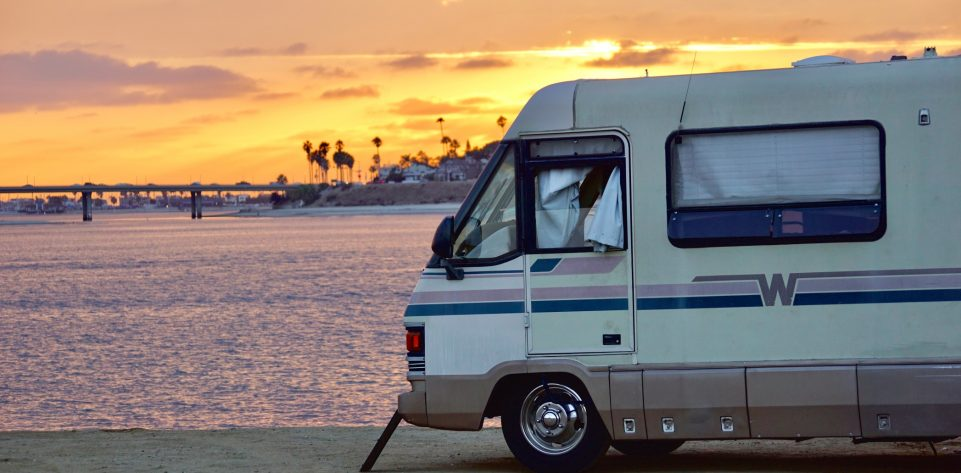 rv-camping-at-sunset-in-mission-bay-in-san-diego-california-tonythetigersson-tony-andrews-photography_t20_YEgZR1